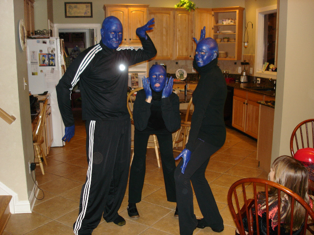 Click image for larger version  Name:halloween2008.jpg Views:139 Size:444.3 KB ID:16078