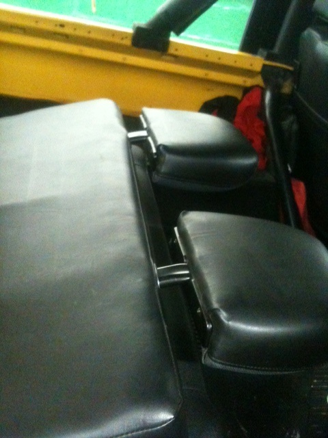 Click image for larger version  Name:HEADREST B.JPG Views:226 Size:95.5 KB ID:71954