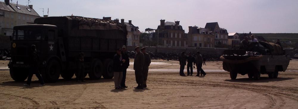 Click image for larger version  Name:hippo and DUKW on beach at Arromanches 09.jpg Views:58 Size:43.1 KB ID:73909