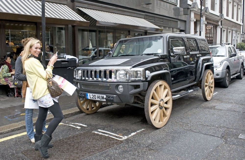 Click image for larger version  Name:Hummer-H3-Wooden-Wheels2.jpg Views:149 Size:241.4 KB ID:31472