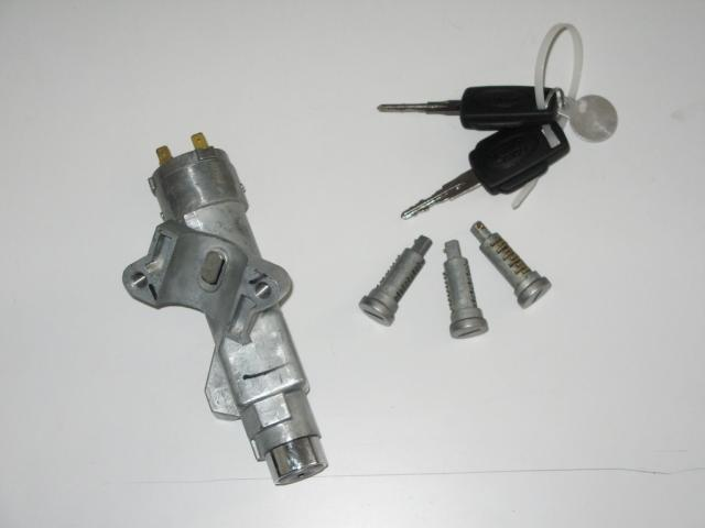 Click image for larger version  Name:Ignition barrell with 2 keys and door key barrels as pictured.jpg Views:197 Size:18.0 KB ID:100088