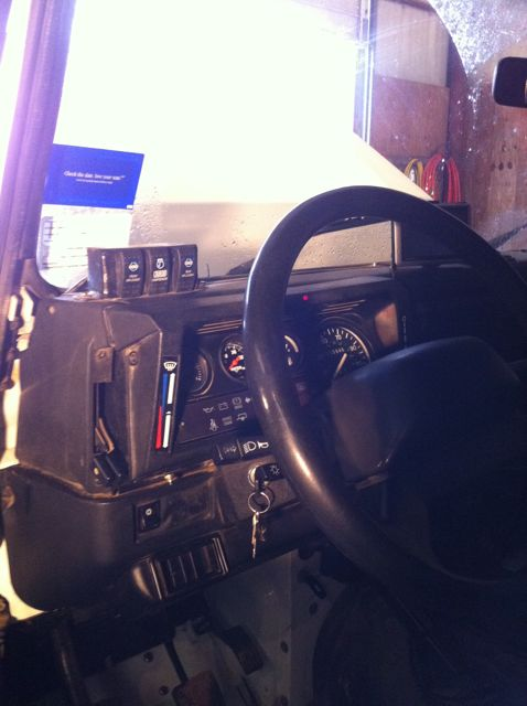 Click image for larger version  Name:interior2.jpg Views:328 Size:39.6 KB ID:44328