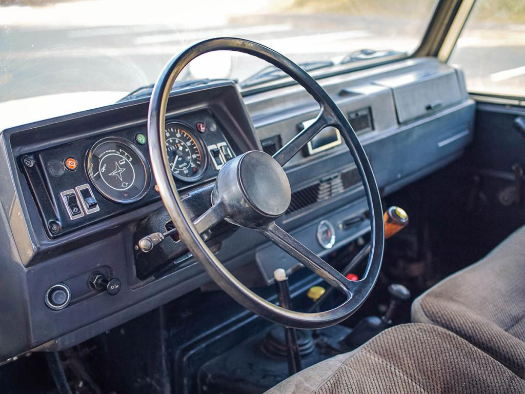 Click image for larger version  Name:interior_1.jpg Views:113 Size:107.4 KB ID:135801