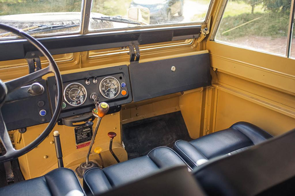 Click image for larger version  Name:interior_1.jpg Views:64 Size:93.6 KB ID:137028