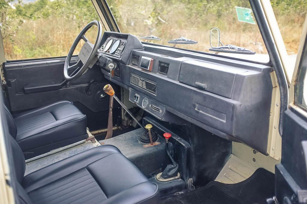 Click image for larger version  Name:interior_1.jpg Views:77 Size:98.9 KB ID:151409