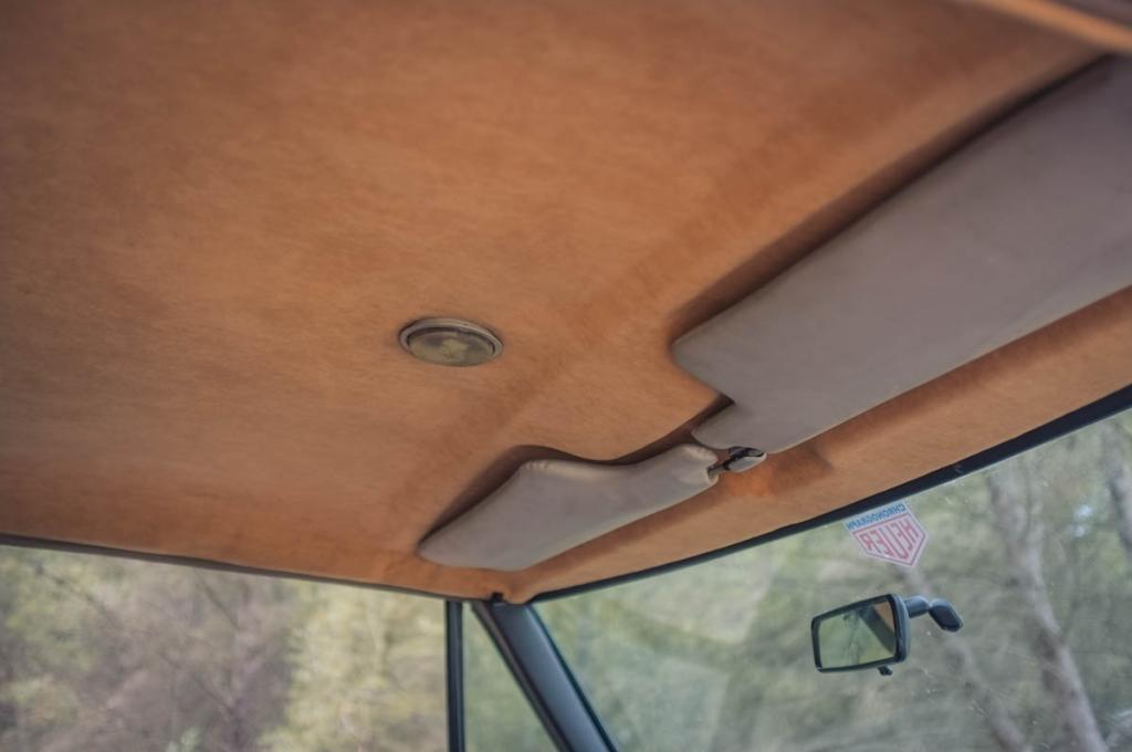 Click image for larger version  Name:interior_2.jpg Views:90 Size:45.9 KB ID:151188