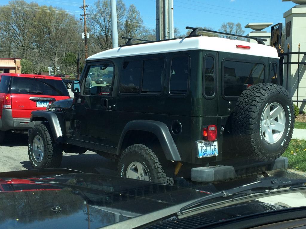 Click image for larger version  Name:Jeep:Defender:Fj.jpg Views:144 Size:123.6 KB ID:146658