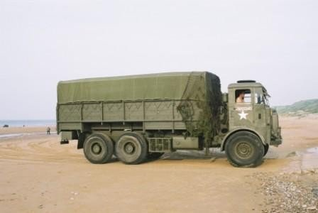 Click image for larger version  Name:julains lorry on Omaha beach 2004.jpg Views:46 Size:14.8 KB ID:73928