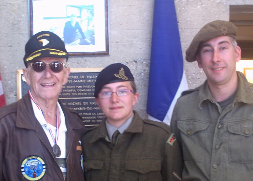 Click image for larger version  Name:Julian and me with Ralph an American veteran..jpg Views:51 Size:74.9 KB ID:73910