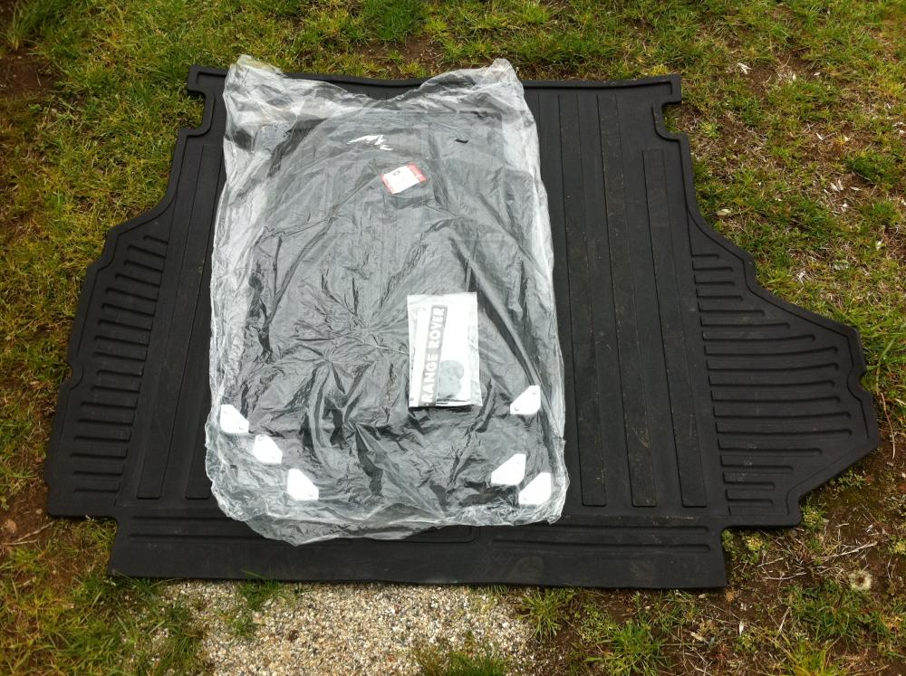 Click image for larger version  Name:L322 Rubber Mats.jpg Views:65 Size:166.8 KB ID:51111