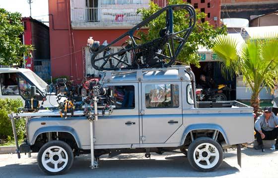 Click image for larger version  Name:Land-Rover-Defender-James-Bond-Skyfall_1.jpg Views:164 Size:45.0 KB ID:58326