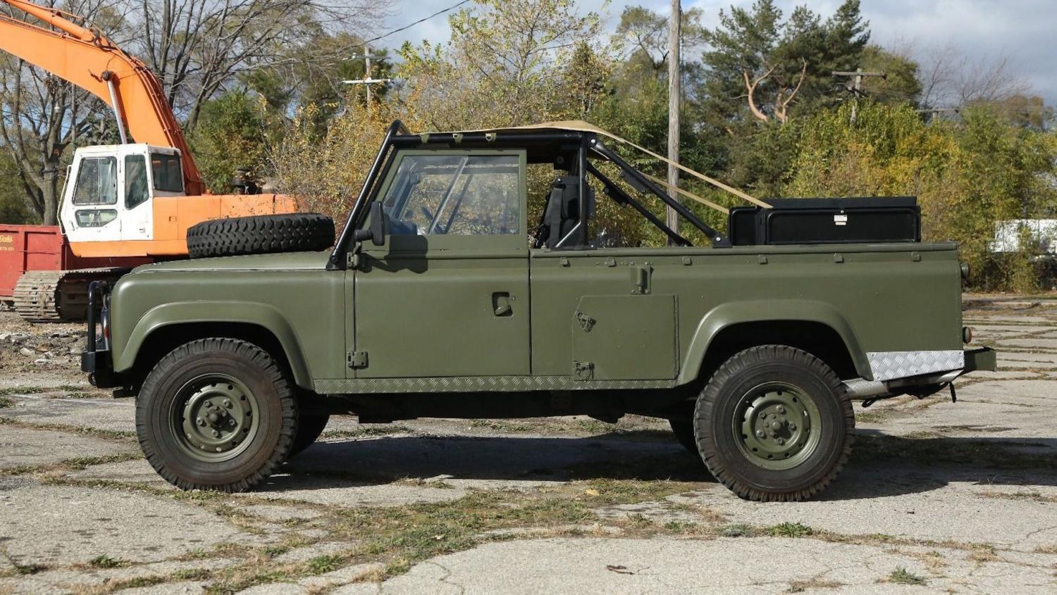 Click image for larger version  Name:land-rover-defender-military-ebay.jpg Views:20 Size:253.8 KB ID:422282