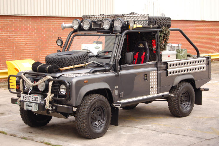 Click image for larger version  Name:land-rover-defender-tomb-raider.jpg Views:156 Size:81.1 KB ID:52318