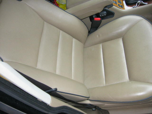 Click image for larger version  Name:Land Rover Interior Pictures 002.jpg Views:91 Size:37.5 KB ID:4047