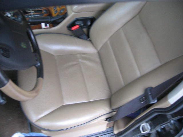 Click image for larger version  Name:Land Rover Interior Pictures 006.jpg Views:105 Size:38.1 KB ID:4048