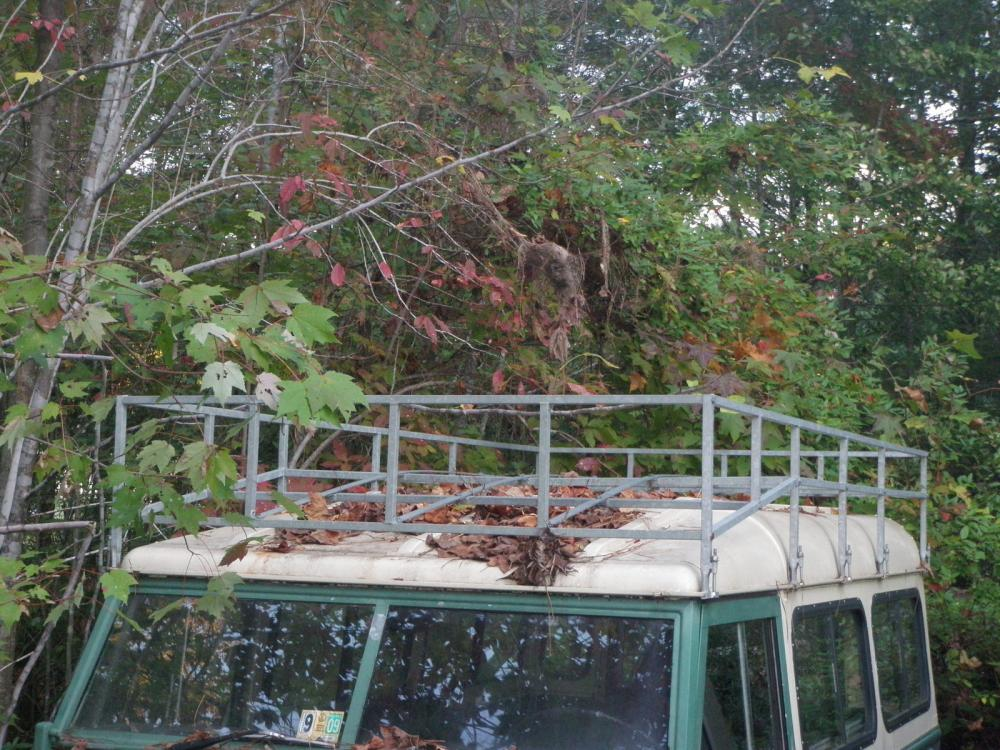 Click image for larger version  Name:Land Rover_LWB_Disassemble_Roof_Rack.jpg Views:47 Size:161.1 KB ID:74488