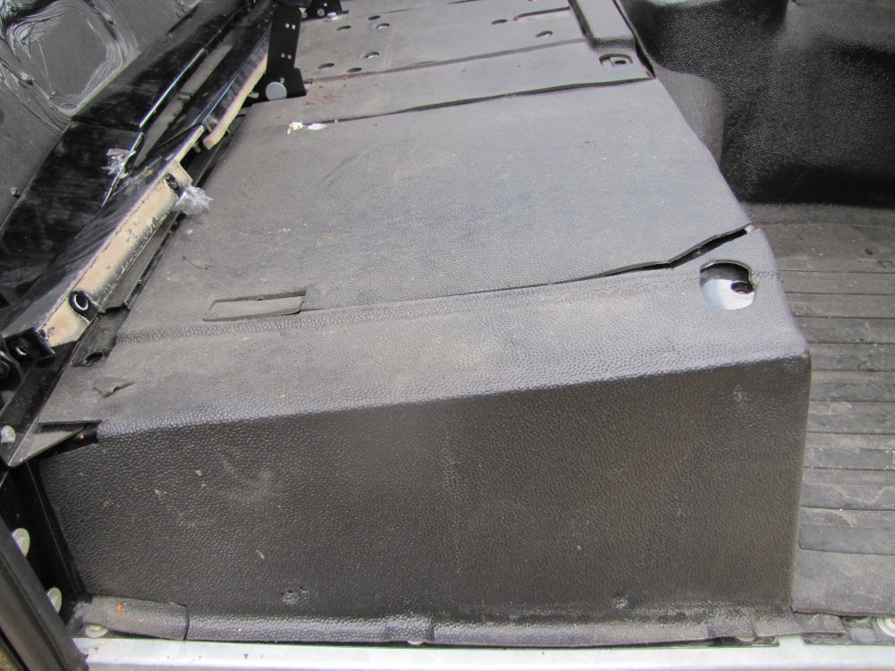 Click image for larger version  Name:Landrover Defender 90 Soft Top Body rubber matting.jpg Views:714 Size:155.1 KB ID:71087