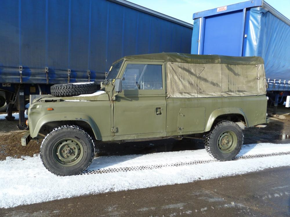 Click image for larger version  Name:landrover softtop030215 003.jpg Views:132 Size:107.1 KB ID:112695
