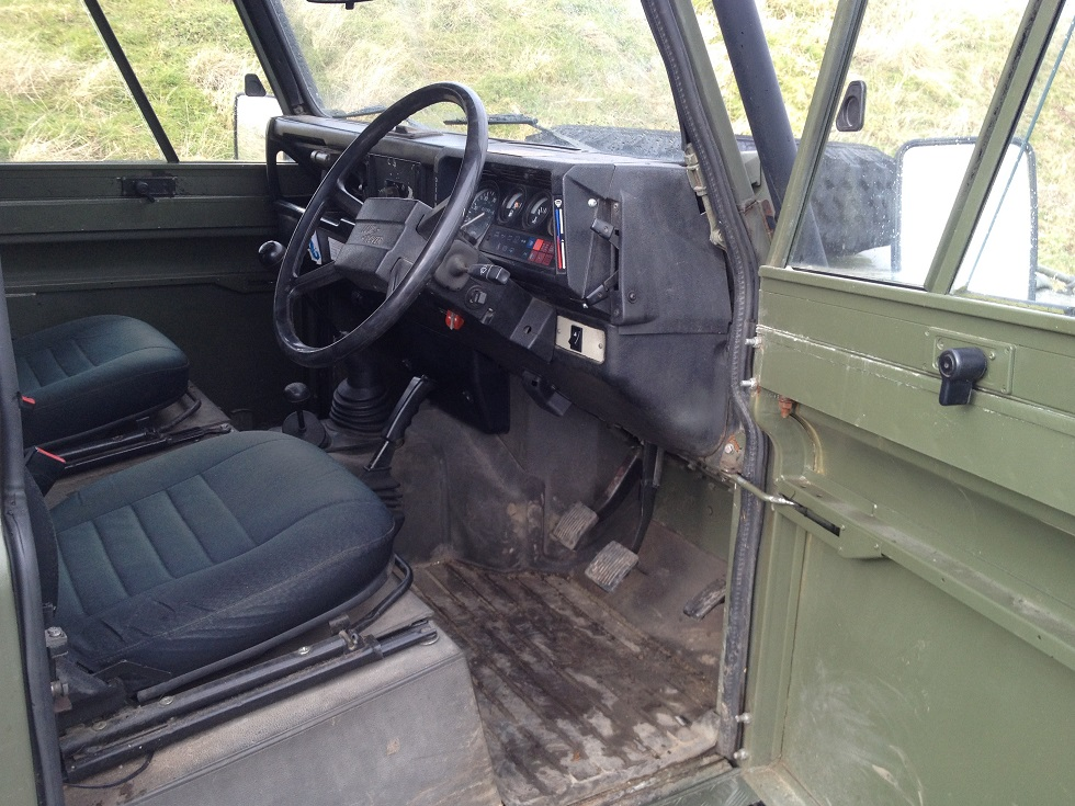 Click image for larger version  Name:landrover softtop290215 030.JPG Views:134 Size:286.7 KB ID:114808