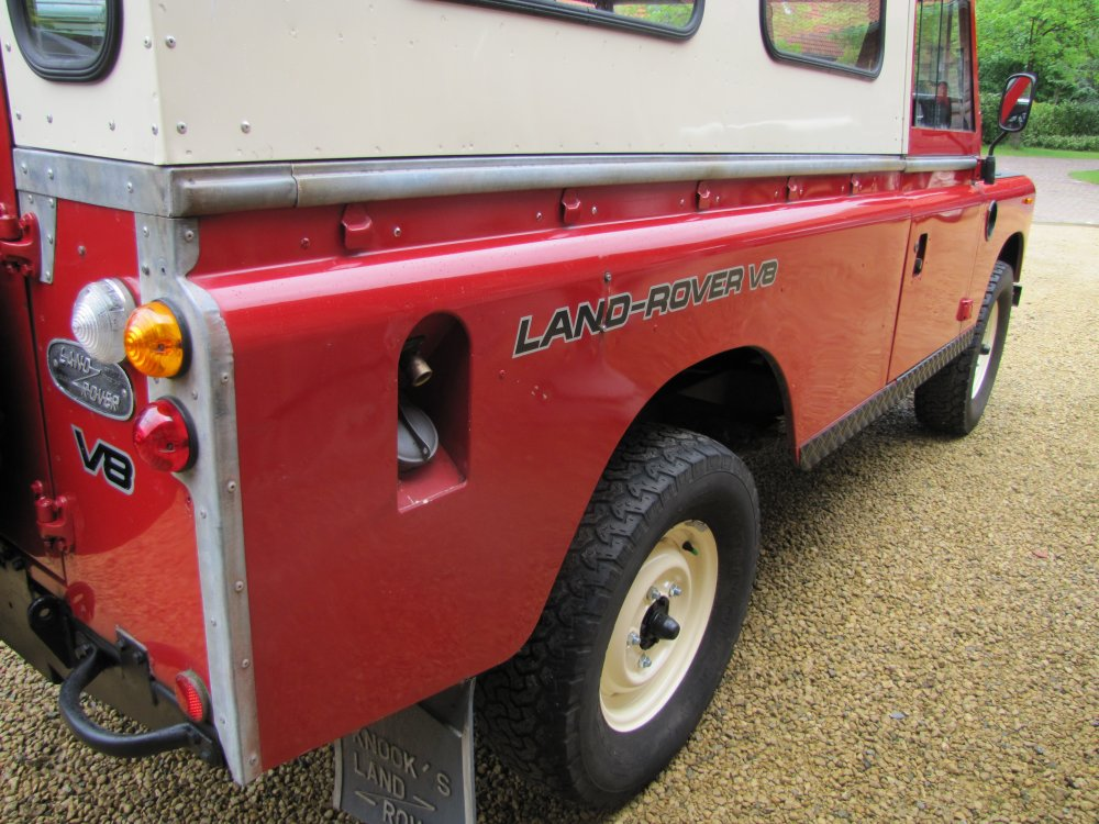 Click image for larger version  Name:Landrover Stage 1 V8 A right rear wing.jpg Views:109 Size:156.2 KB ID:73071