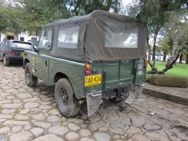 Click image for larger version  Name:LandRoversColombia002.jpg Views:66 Size:150.3 KB ID:43457