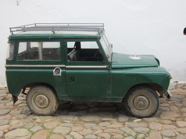Click image for larger version  Name:LandRoversColombia004.jpg Views:55 Size:92.6 KB ID:43459