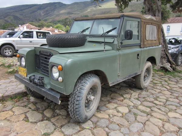 Click image for larger version  Name:LandRoversColombia005.jpg Views:51 Size:141.5 KB ID:43460