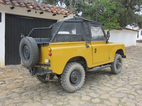 Click image for larger version  Name:LandRoversColombia006.jpg Views:56 Size:136.7 KB ID:43461
