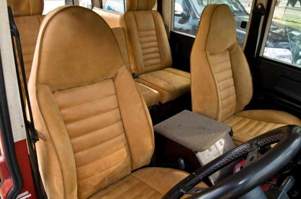 Click image for larger version  Name:landroverseats.jpg Views:657 Size:51.2 KB ID:26619