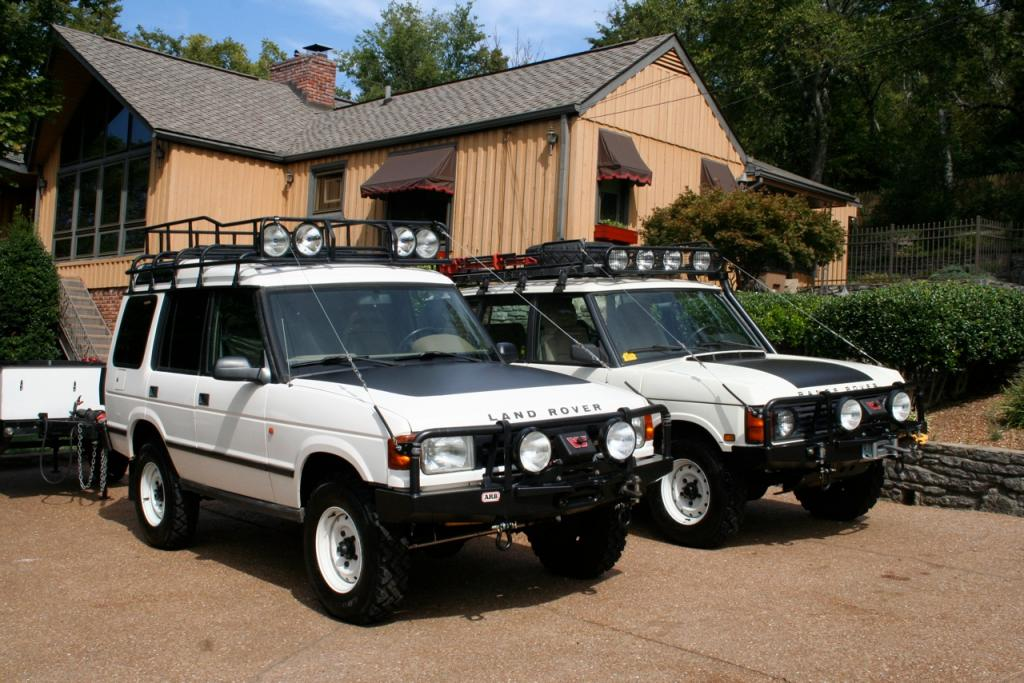Click image for larger version  Name:LandRoverSisters1.jpg Views:111 Size:126.7 KB ID:36704