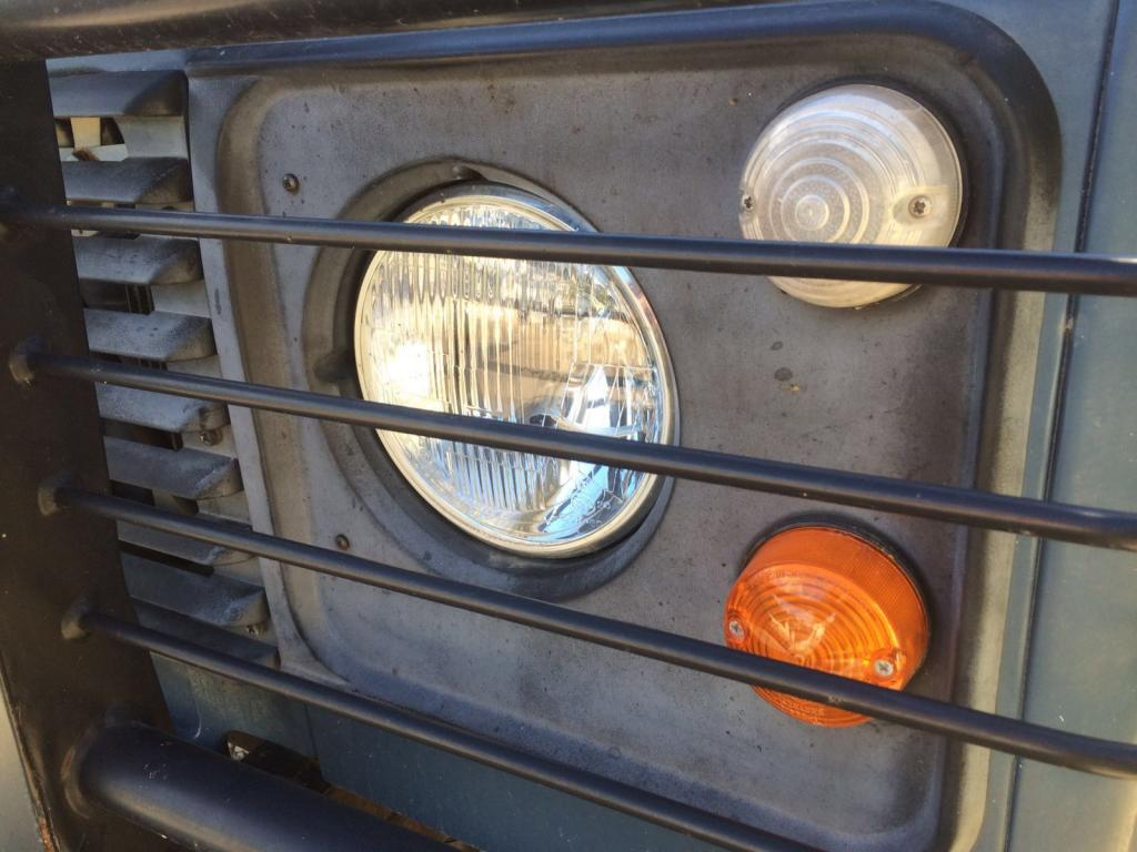 Click image for larger version  Name:Left and Right Headlight Surrounds.jpg Views:63 Size:92.8 KB ID:141571