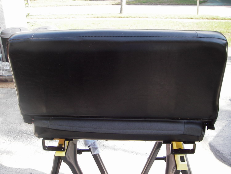 Click image for larger version  Name:LR D90 Bench Seat 2.jpg Views:107 Size:86.9 KB ID:13781