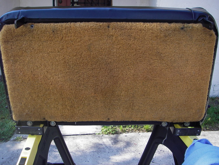 Click image for larger version  Name:LR D90 Bench Seat 5.jpg Views:124 Size:164.1 KB ID:13783