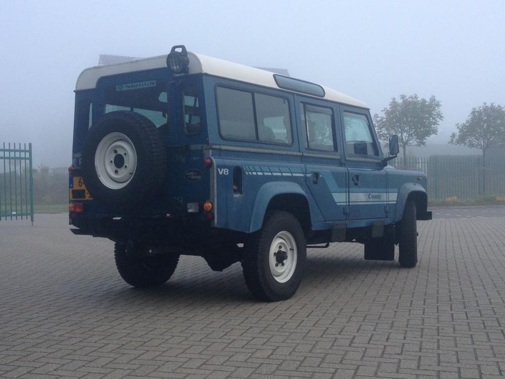Click image for larger version  Name:LR110 blue i42.jpg Views:362 Size:74.7 KB ID:110792