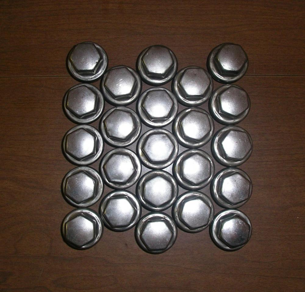Click image for larger version  Name:Lug nuts.jpg Views:112 Size:124.9 KB ID:66227