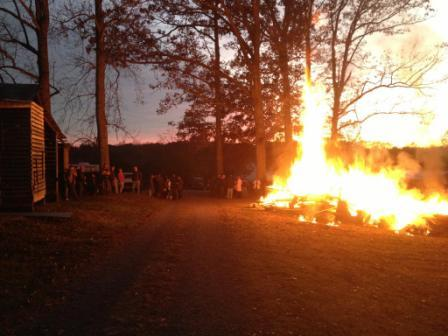 Click image for larger version  Name:mikes fire.jpg Views:71 Size:26.3 KB ID:66975