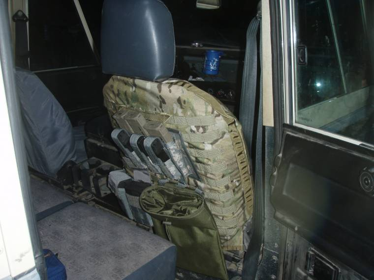 Click image for larger version  Name:molle gear.jpg Views:107 Size:66.2 KB ID:34909