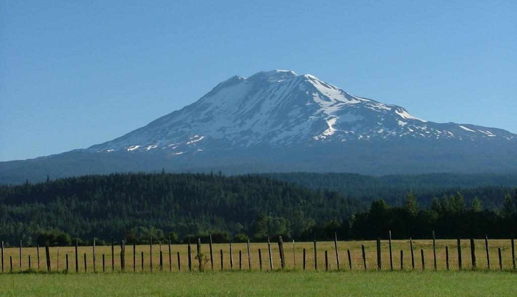 Click image for larger version  Name:Mt adams.jpg Views:72 Size:57.3 KB ID:127042