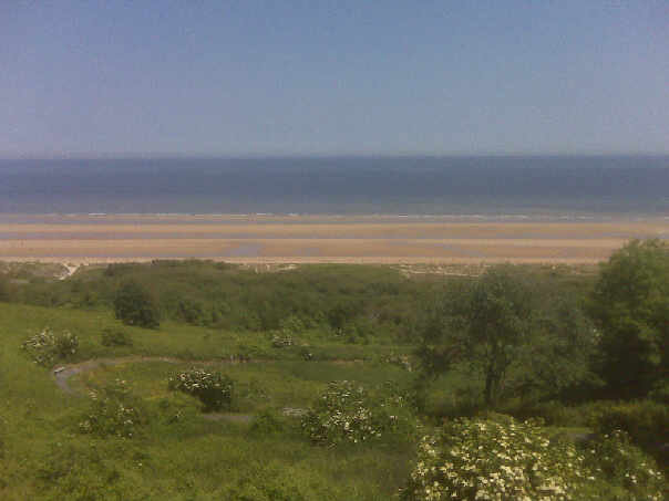 Click image for larger version  Name:Omaha beach at peace 2009.jpg Views:116 Size:25.4 KB ID:39410