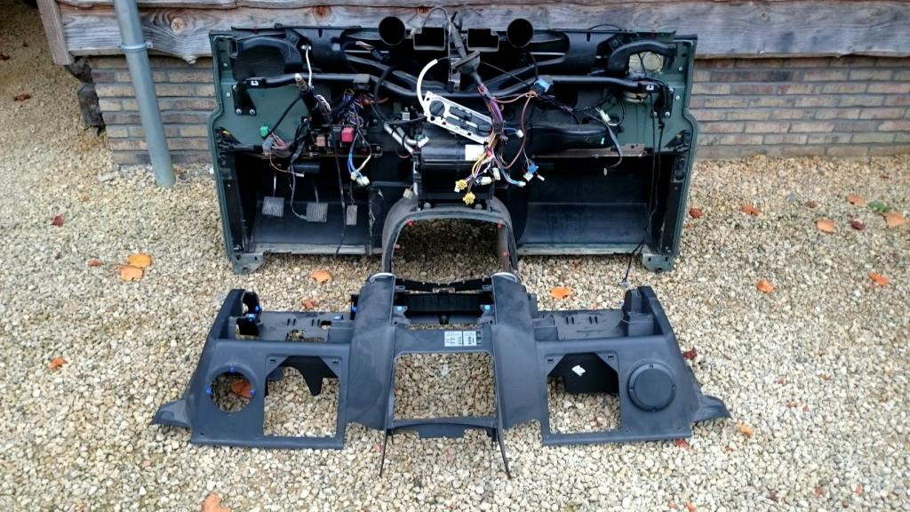 Click image for larger version  Name:Parts Landrover Defender Puma Dash 2 bulkhead green inside with panel.jpg Views:272 Size:143.8 KB ID:137623