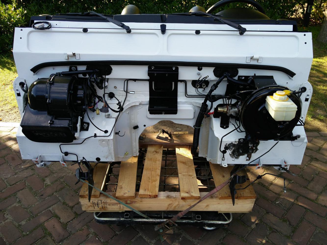 Click image for larger version  Name:Parts Landrover Defender Puma Dash 5 engine complete.jpg Views:184 Size:194.8 KB ID:302193