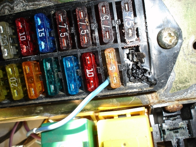 fuse box easy to replace? - defender source painless fuse box defender 90 painless fuse box install