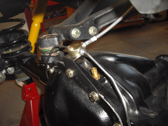 Click image for larger version  Name:Rear Axle Brake Lines 8.jpg Views:60 Size:257.3 KB ID:51615