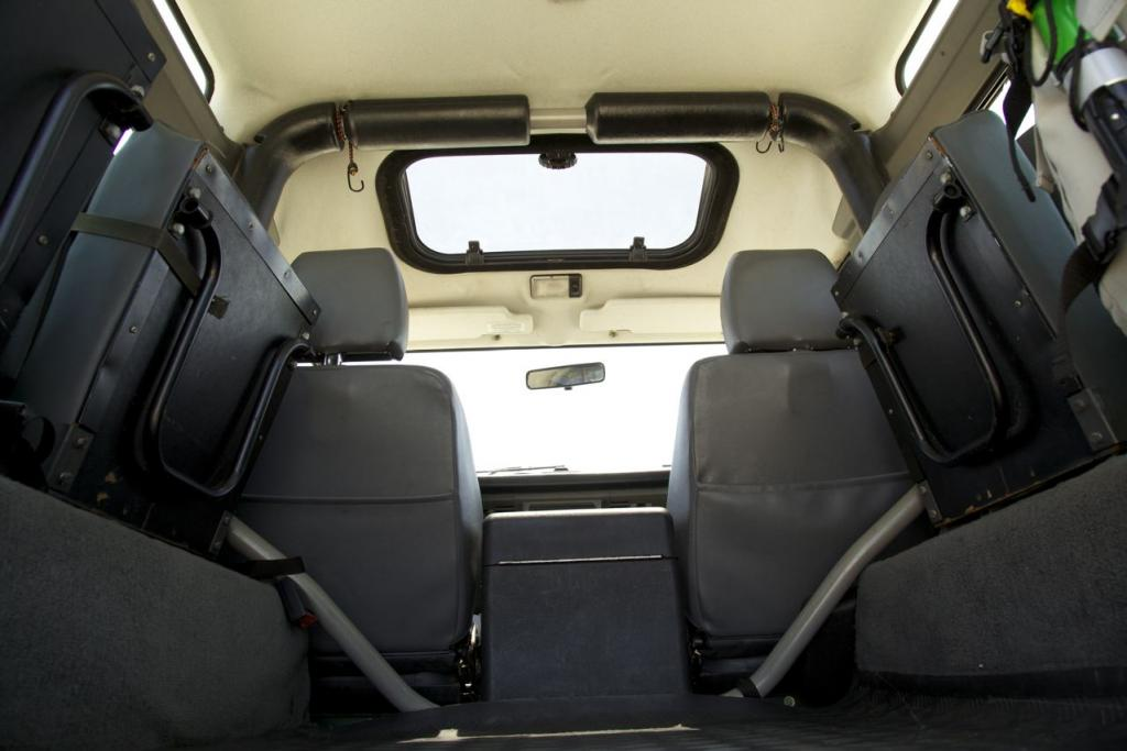 Click image for larger version  Name:Rear interior.jpg Views:290 Size:63.8 KB ID:43974