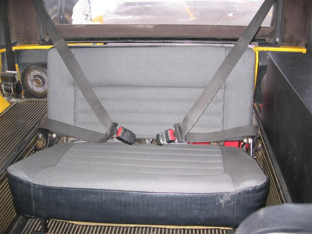 Click image for larger version  Name:Rear Seat - Front Buckled.jpg Views:147 Size:56.1 KB ID:4627