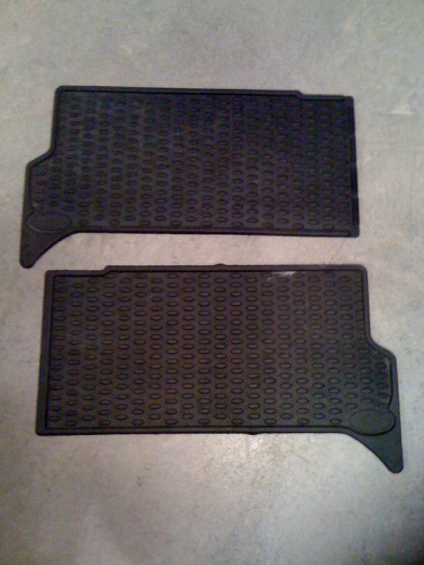 Click image for larger version  Name:Rear seat mats a.jpg Views:72 Size:136.1 KB ID:20761
