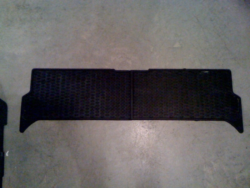 Click image for larger version  Name:Rear seat mats.jpg Views:62 Size:119.4 KB ID:20760