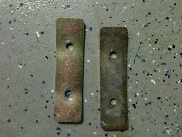 Click image for larger version  Name:rear spring retainers.jpg Views:61 Size:118.5 KB ID:63224