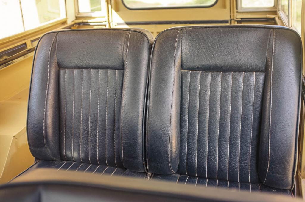 Click image for larger version  Name:rear_seats_1.jpg Views:62 Size:105.3 KB ID:137026