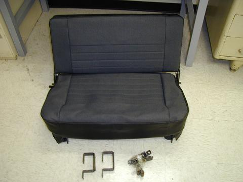 Click image for larger version  Name:rearseat.jpg Views:241 Size:25.0 KB ID:17596